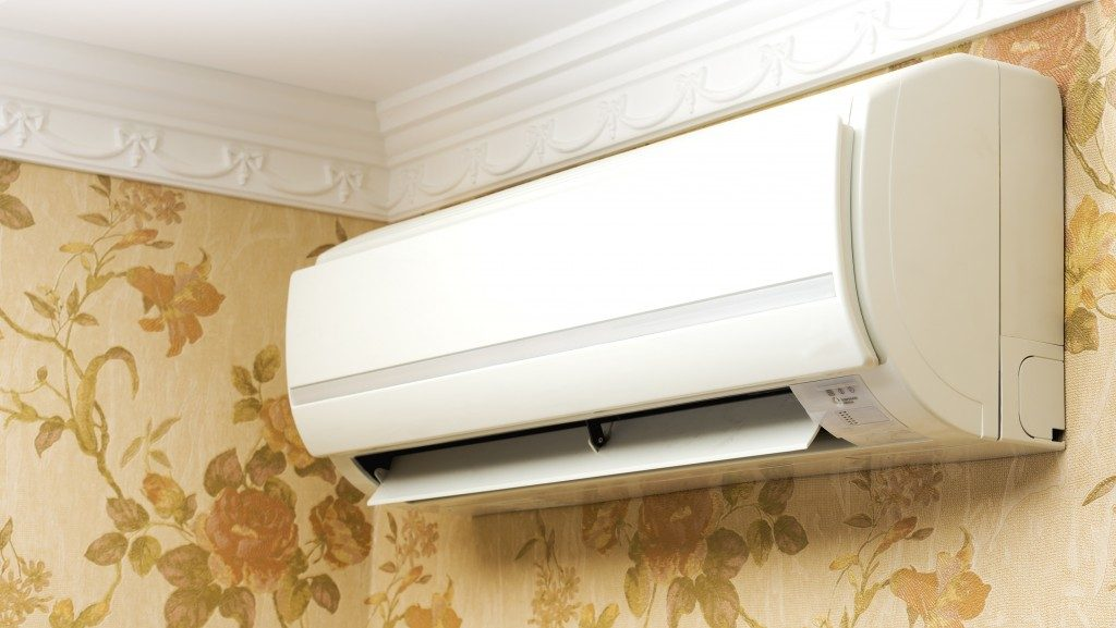 Airconditioner mounted on the wall
