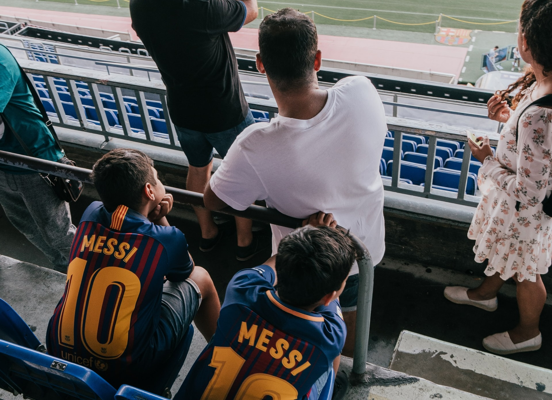 kids with Messi jerseys