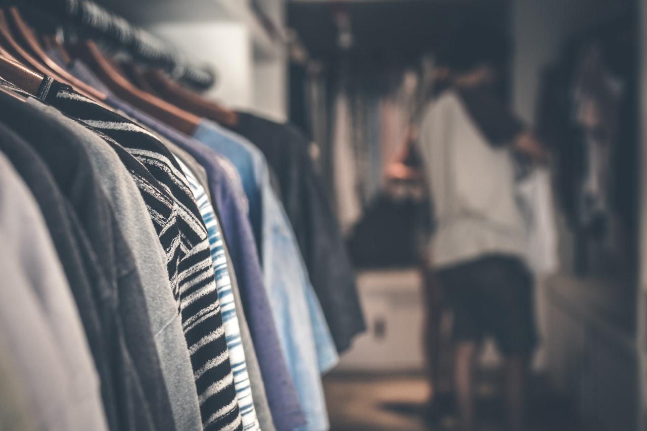 men clothing rack
